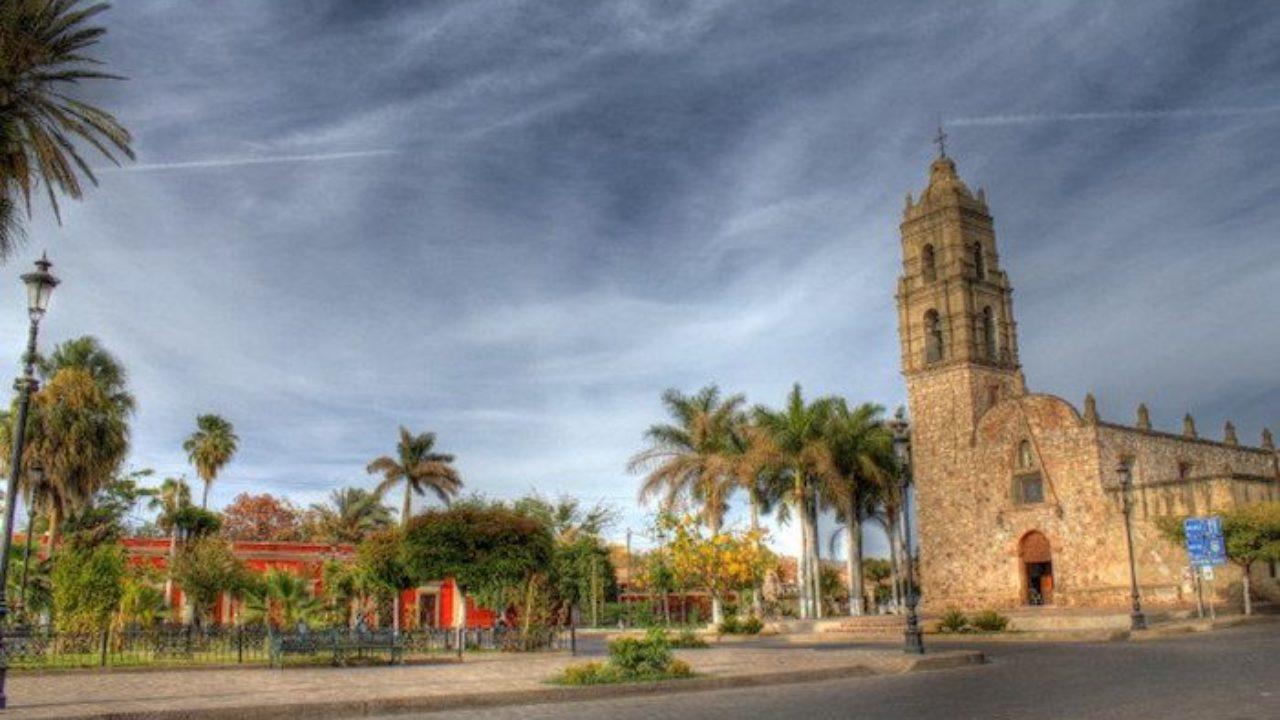 Vista del jardín central de Mocorito, Sinaloa